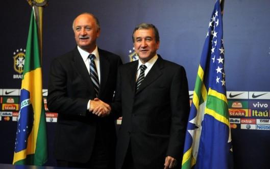 O técnico da seleção brasileira Luiz Felipe Scolari e o seu coordenador técnico Carlos Alberto Parreira.